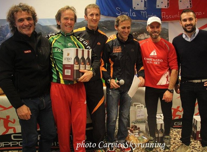 Aido_Run_2014_Caprino_premiazione_photo_credit_Carvico_skyrunning