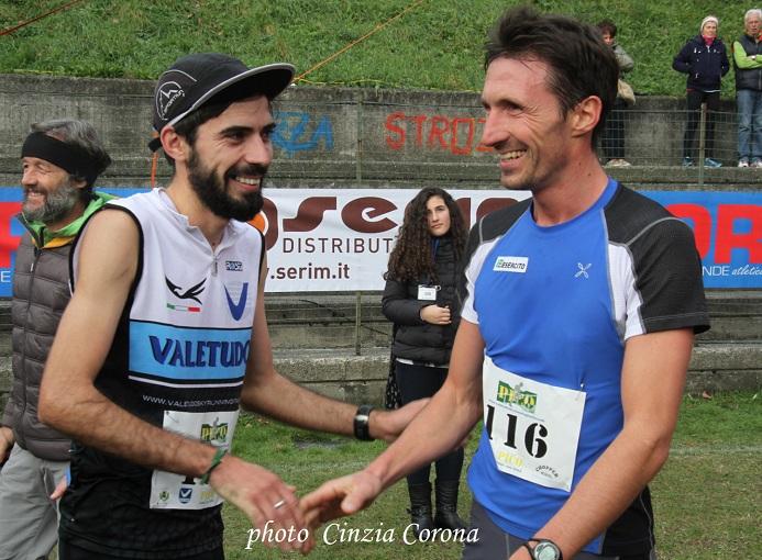 Pico Trail, stretta di mano fra Ionut Zinca e Daniel Antonioli - ph. Cinzia Corona