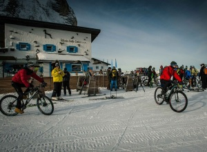 wisthaler-rifugio-comici-val-gardena-hero-2015-neve-mountain-bike photo COMetaPRessBrenaCanonDigital