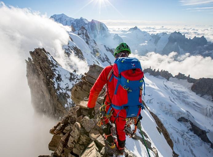 Millet_artists-on-jorasses-1-neve-alpinismo