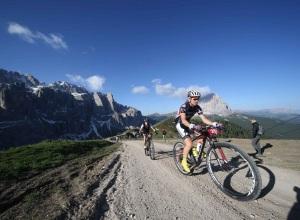 Val_gardena_Sellaronda_Hero_mountain_bike