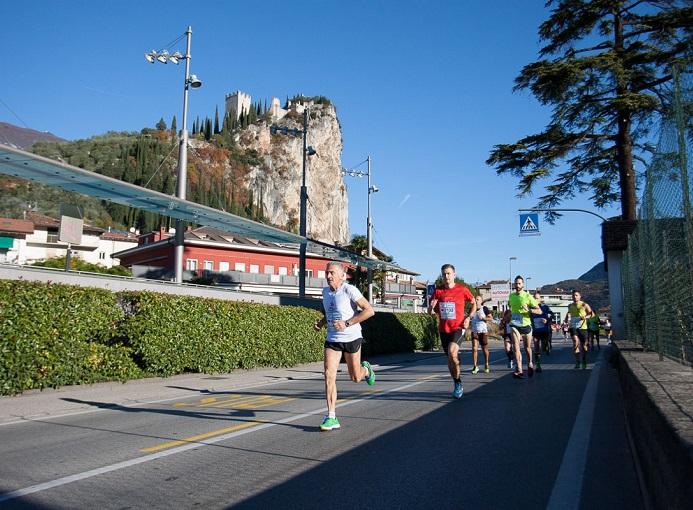 Garda-Trentino-Half-Marathon-2015-photo-credit-Matteo-Bridarolli (1)