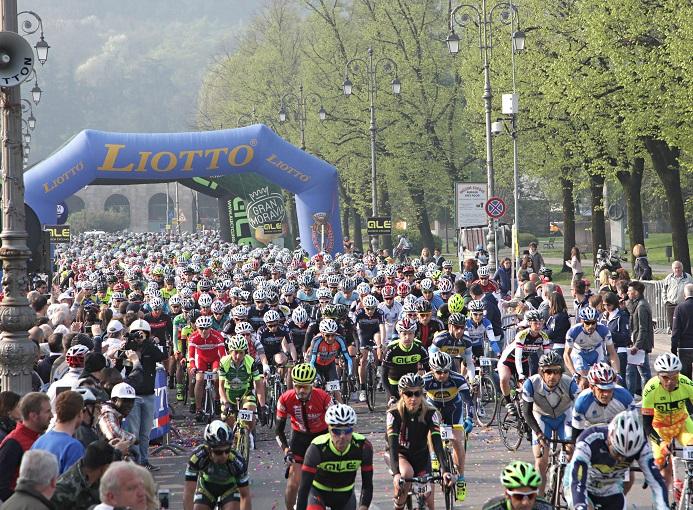 granfondo_liotto_vicenza_2015_partenza_ciclismo_ph_newspower_canon