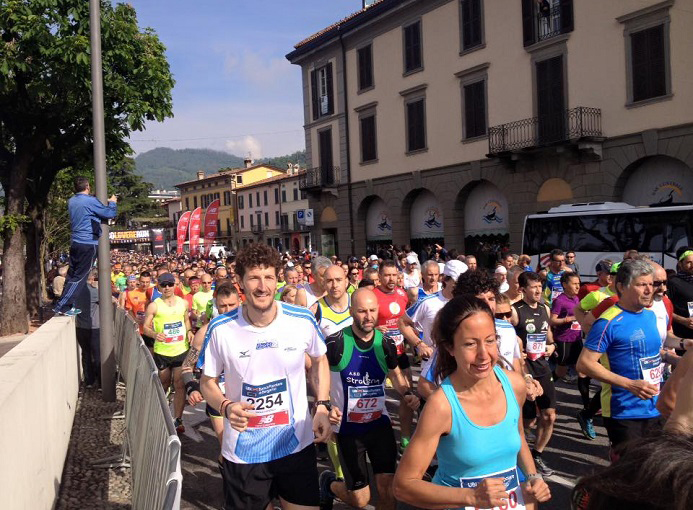 Sarnico Lovere Run 2016 partenza ph credit Runners Bergamo