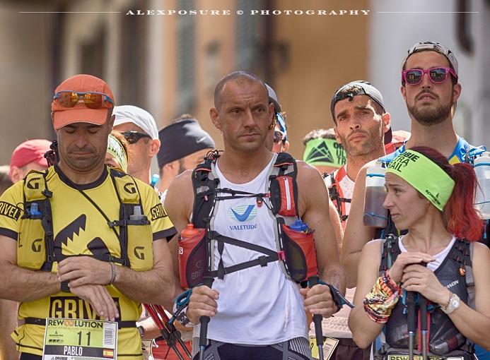 Clusone (Bg), partenza di Orobie Ultra Trail 2016. In primo piano: Pablo Criado Toca, Oliviero Bosatelli e Rossana Morè - ph. Alexposure Photography