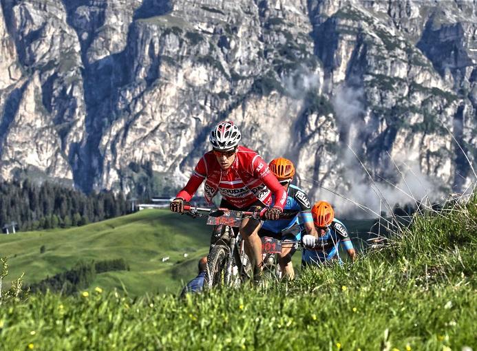 hero_suedtirol_dolomites_2015_mtb_ciclismo_freddy_planinschek_02
