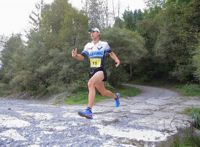 rovetta_6_comuni_presolana_trail_flyup_clemente_belingheri_winner_2016_ph_fabrizio_servalli