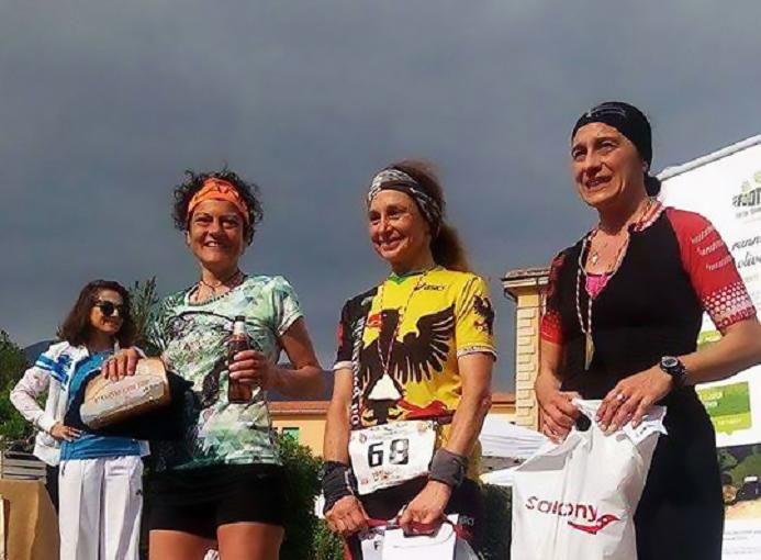 trail-monti-pisani-2017-calci-podio-f-lunga-cinzia-bertasa-ok