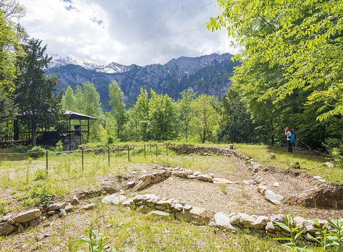 535 in condotta: percorso verticale si sviluppa lungo la condotta della centrale Enel di Bordogna, in Alta Valle Brembana.