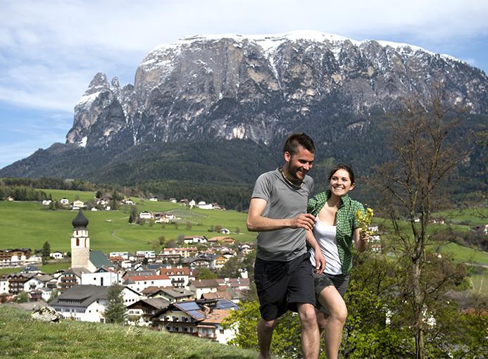Alpe-di-Siusi-Escursioni-photo-credit-Helmuth-Rier