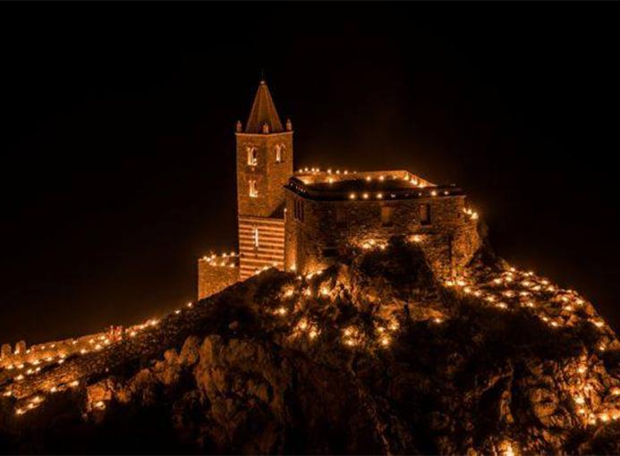 Alvi Trail Liguria Portovenere notte chiesa