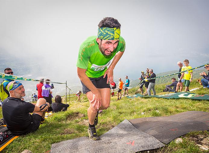 Fabio Bazzana alla Cornizzolo Vertical nella foto di Giacomo Meneghello