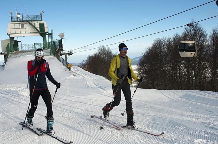 sila 3 vette concorrenti con gli sci